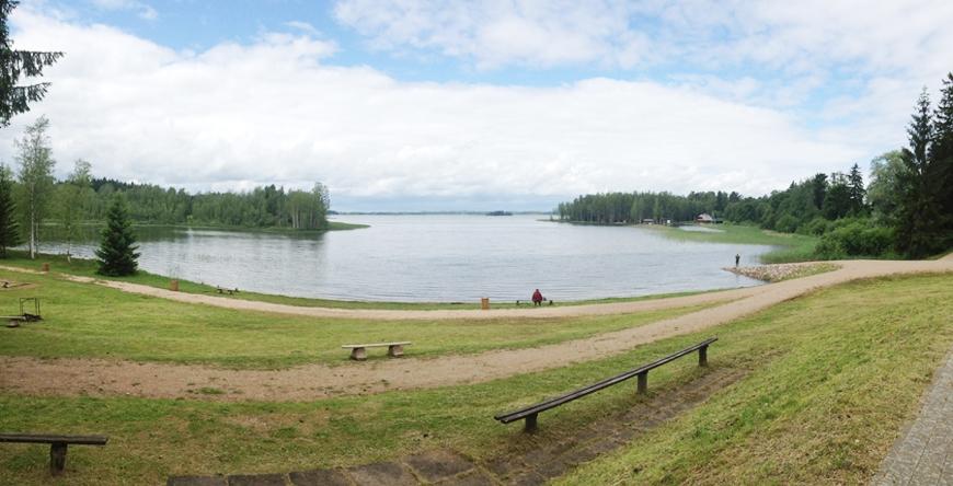Участок земли у берега озера (Вецпиебалга)